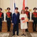 Беглов наградил петербургских медиков, ученых и педагогов