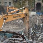 На Черной речке начали сносить здания завода для строительства жилого комплекса