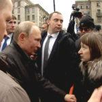 Петербурженке, спросившей Путина о жизни на 10 тысяч рублей, нашли работу