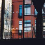 В центре Петербурга проверят все старые балконы